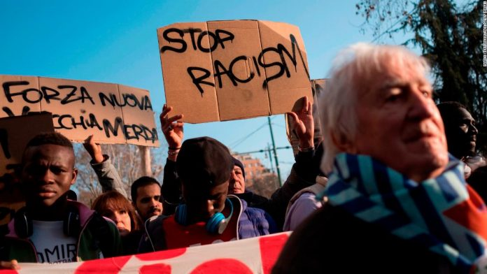 Italians protest after shooting of African migrants