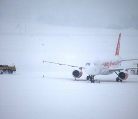 Snow in Europe: Icy blizzards stall transport networks